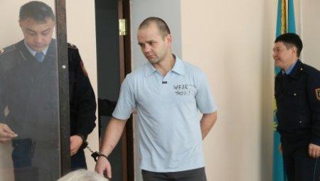 В Костанае два года тюрьмы получил мужчина, укравший попугаев и хонорика