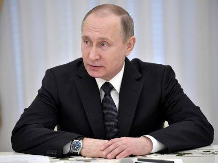 Владимир Путин: Наряду с терроризмом перед странами СНГ стоит еще ряд угроз