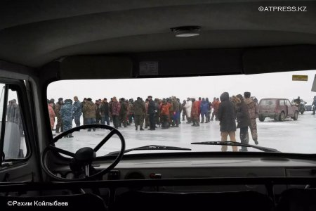 Рыбный бунт: люди в масках отбили УАЗ у полиции в Атырауской области