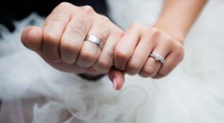 Запрещать жениться без прохождения спецкурсов предложил Генпрокурор