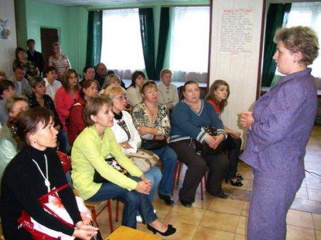 Только 10 процентов казахстанских родителей посещают собрания в школах