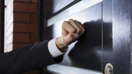 В РК ограничили время общения коллекторов и должников