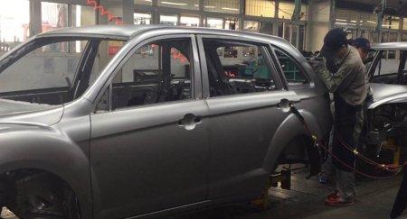 Цены на новые автомобили в Казахстане растут - продажи падают