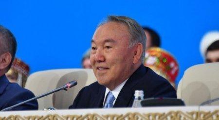 Назарбаев поздравил казахстанцев с 1 Мая