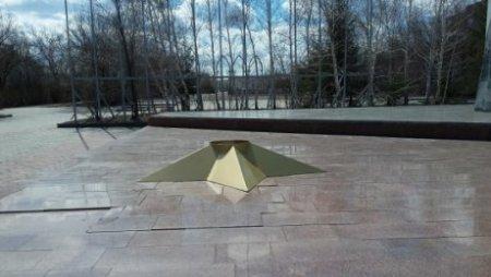 В Темиртау нашли вандала, который разграбил «Вечный огонь»