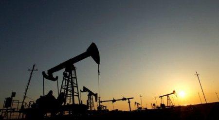 Нефть дешевеет, несмотря на сокращение добычи ОПЕК и Россией