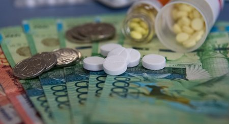 Медиков в Казахстане будут наказывать за навязывание дорогих лекарств