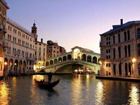 Мэрия Венеции начала борьбу с шаурмой