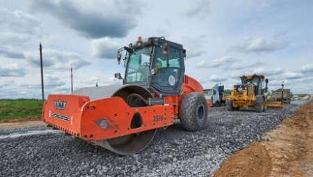 Казахстан займет денег на реконструкцию автодороги Актобе-Макат