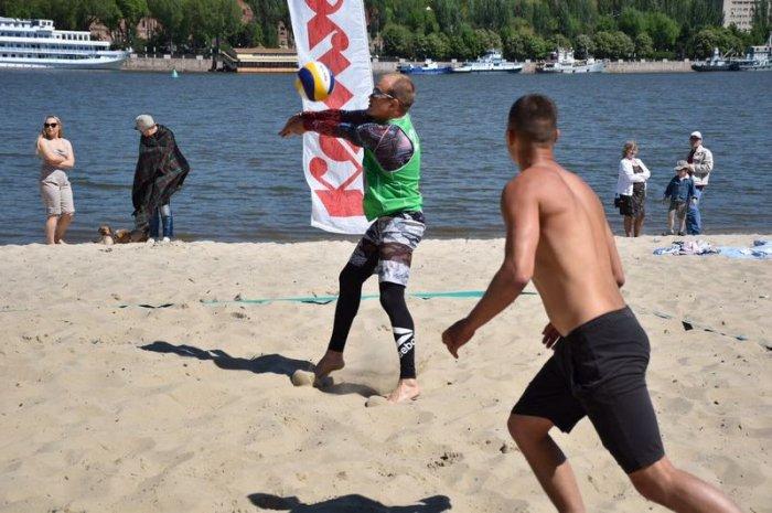 Спортсмены из Актау привезли две медали с международного турнира по пляжному волейболу