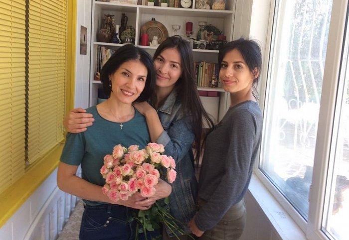 Цветочная судьба трех сестер. История в фотографиях