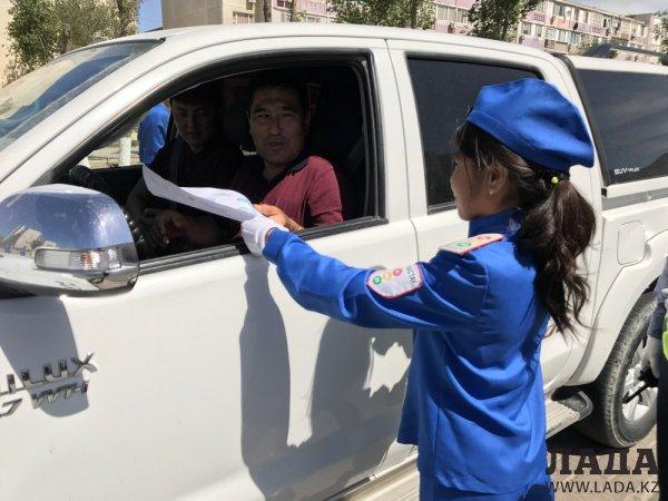 В Актау проходит неделя безопасности дорожного движения