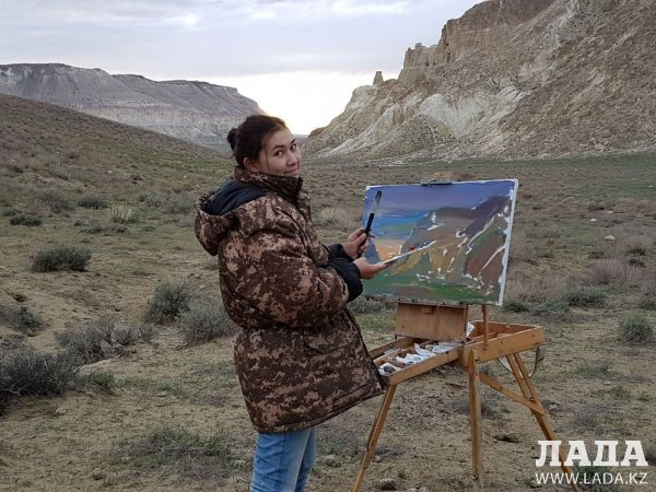 В Актау на конкурсе выставят порядка 100 работ молодых художников и фотографов