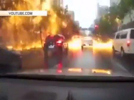 Огненный дождь сняли на видео в Китае