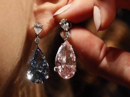 В Швейцарии за рекордную сумму продали уникальные бриллиантовые серьги
