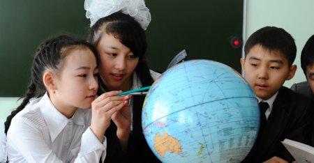 МОН РК отменит домашние задания для школьников в праздничные и каникулярные дни
