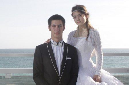 Парад женихов и невест прошел в Актау