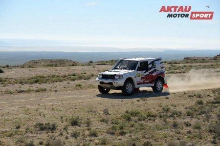 В Мангистау в третьем этапе Rally Kazakhstan-2017 победителем стал экипаж из Саудовской Аравии