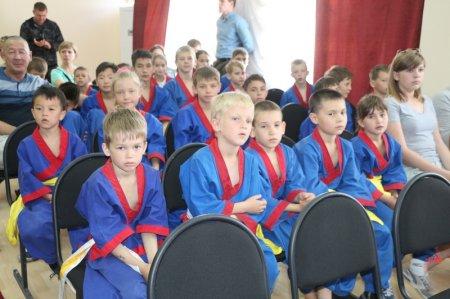 В Мангистау 50 школ получили сертификаты на спортивный инвентарь