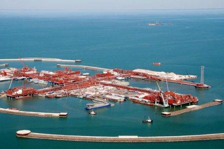 На месторождении Кашаган добыт третий миллион тонн нефти