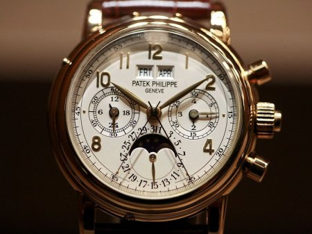 """У уборщицы """"Газпрома"""" украли часы Patek Philippe стоимостью пять миллионов тенге"""