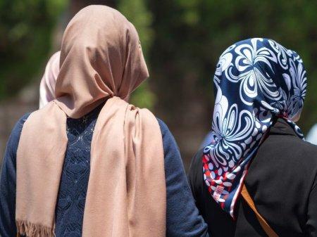 Под запрет закрытых черных одеяний не попадают платки и хиджабы – Арын