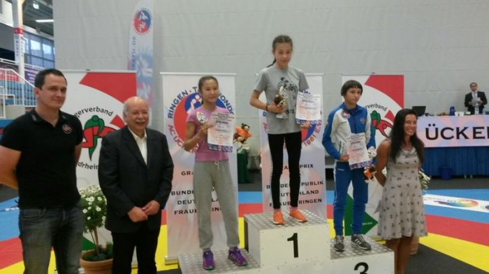 Марал Танибергенова из Актау завоевала «золото» международного турнира по вольной борьбе