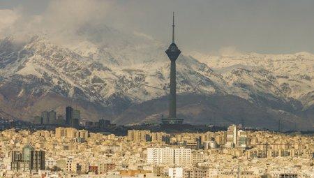 Неизвестные открыли стрельбу в иранском парламенте