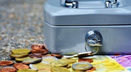 Депутаты вновь предложили отменить банковскую тайну для зарубежных счетов чиновников