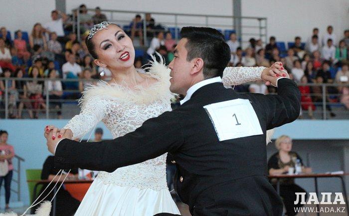 Чемпионат по спортивным танцам на колясках стартовал в Актау
