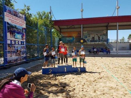 Спортсмены из Актау завоевали шесть золотых медалей в I-м туре чемпионата Казахстана по пляжному волейболу