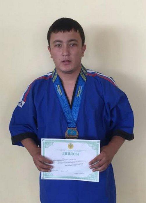 Жанболат Орынбай из Мангистау стал бронзовым призером чемпионата Казахстана по борьбе на поясах