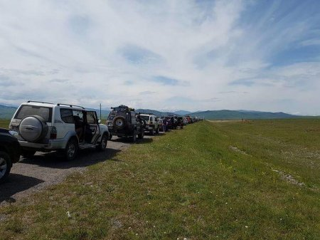 Пользователи пожаловались на длинные очереди на кыргызско-казахстанской границе