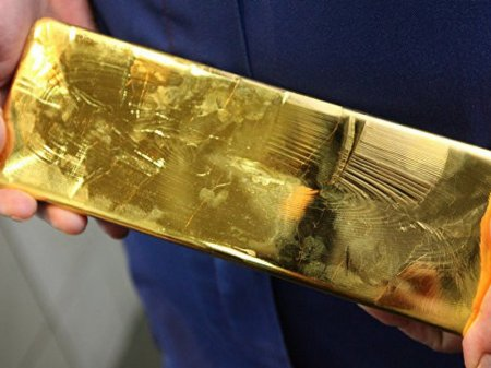 Десятки килограммов золота нашли в туалете самолета японских авиалиний