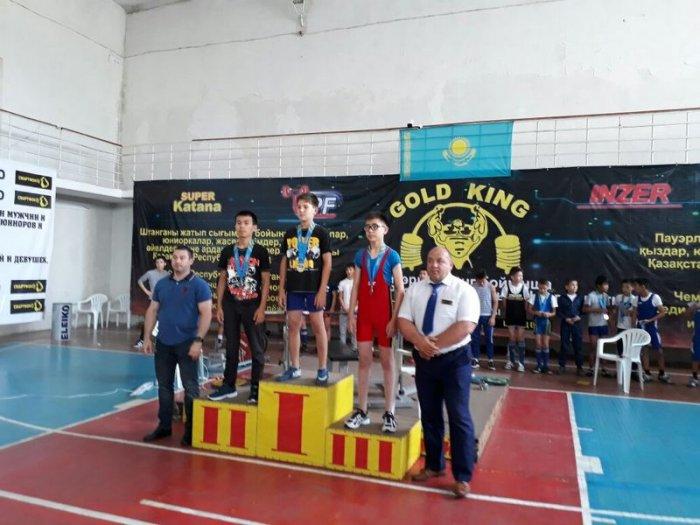 Мангистауские атлеты привезли десять золотых медалей с чемпионата Казахстана по пауэрлифтингу и жиму штанги лежа