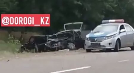 Свадебный кортеж в Жамбылской области попал в ДТП: 3 человека погибли
