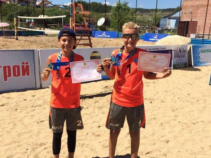 Актауские спортсмены завоевали пять золотых медалей во втором туре чемпионата Казахстана по пляжному волейболу