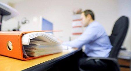 Зарплату казахстанским госслужащим могут увеличить на 50 процентов