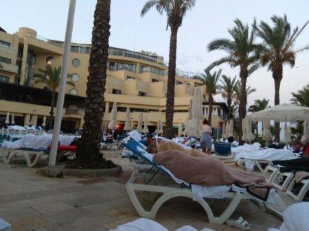 Казахстанцам в Бодруме пришлось ночевать на пляже из-за землетрясения