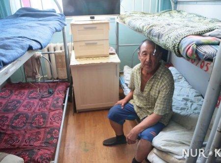 В алматинском бомжатнике живет врач с 35-летним стажем