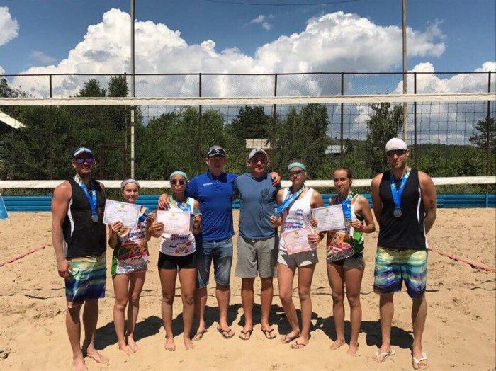 Актауские пляжные волейболисты завоевали весь набор медалей по итогам третьего тура чемпионата РК