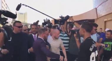 Видео драки команд боксеров МакГрегора и Мейвезера появилось в Сети