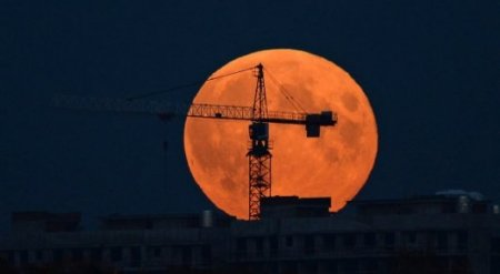Лунное затмение увидят казахстанцы 7 августа