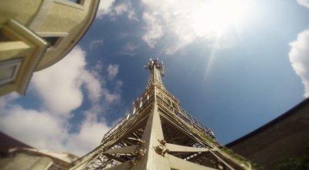"""Париж во дворе. Житель Астаны сдает в аренду """"Эйфелеву башню"""""""