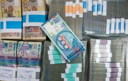10 самых необычных взяток Казахстана: от навоза до игрушек