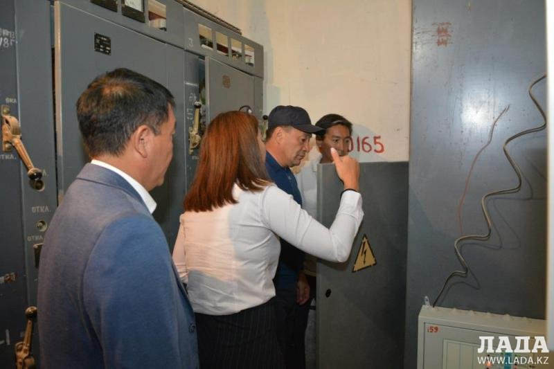 Уличное освещение в Актау планируют питать от солнечной энергии