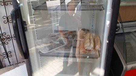 Холодильники с бесплатной едой появились на улицах Алматы