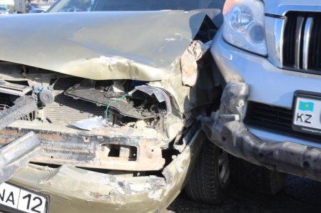 Авария на перекрестке между 3 и 1 микрорайонами Актау
