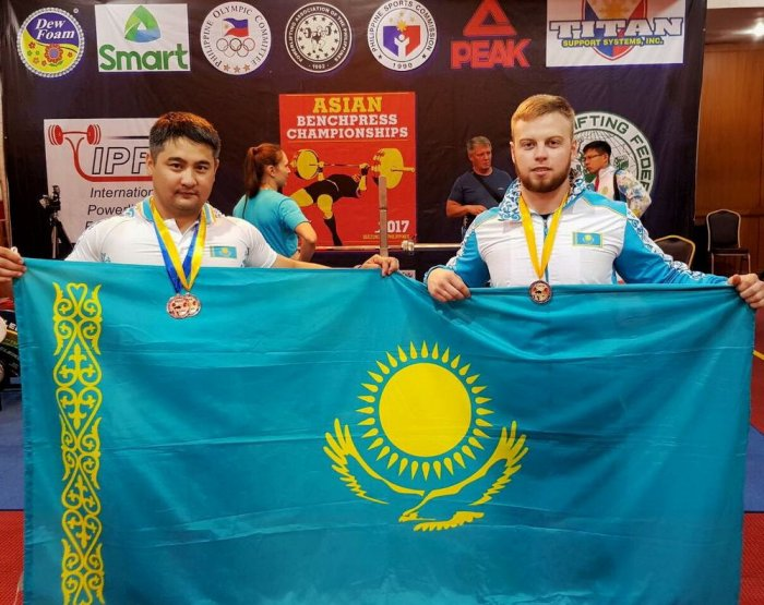 Атлеты из Актау завоевали две золотые медали на чемпионате Азии по жиму лежа