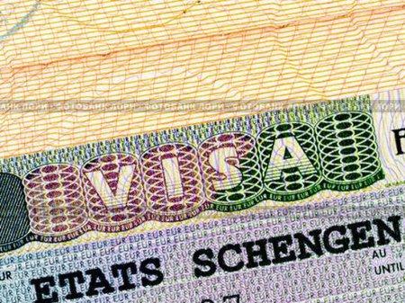 Франция и Германия намерены прикрыть Шенген